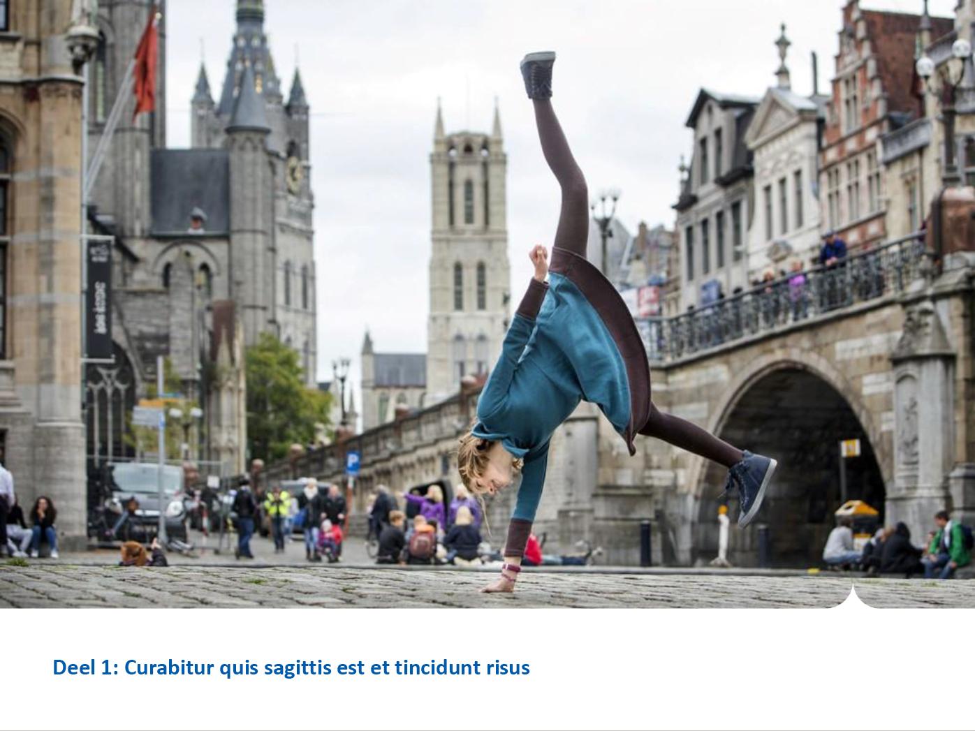 """Dia-type """"hoofdstuktitel met foto"""", gepersonaliseerd voor de submerken van het secundair onderwijs. Powerpoint-sjabloon van de Stad Gent."""